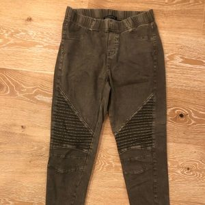 Moto-style Staccato Jeggings, distressed olive